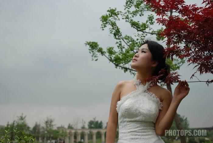 外景婚纱PS综合处理实例_亿码酷站___亿码酷站平面设计教程插图1